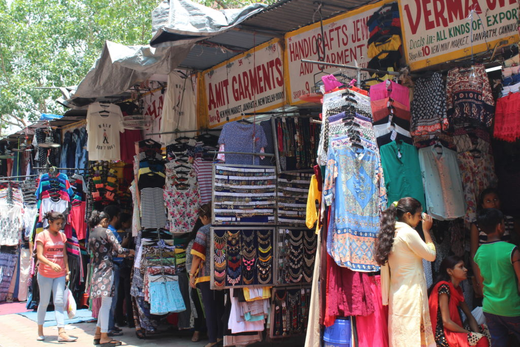 Top 5 Shopping Markets in Delhi: How to Shop Like a Pro