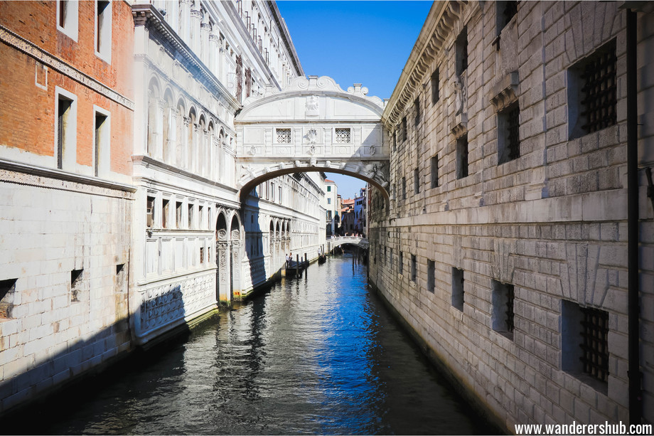 Bridge of Sighs Venice - things to do in Venice Italy