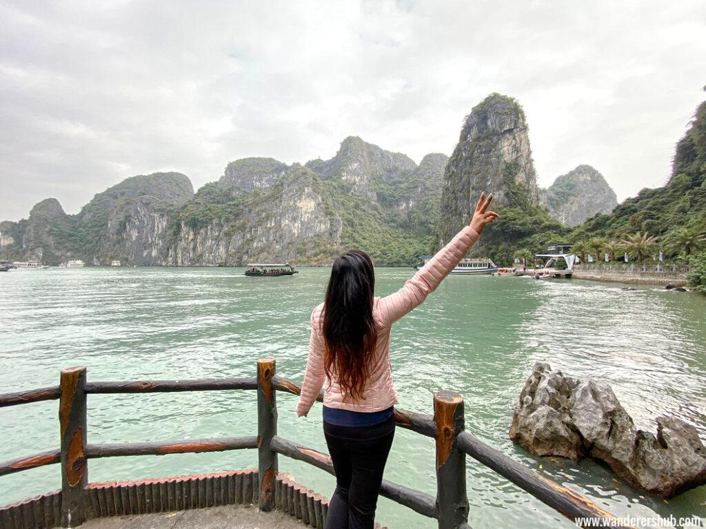 Halong Bay cruise tour