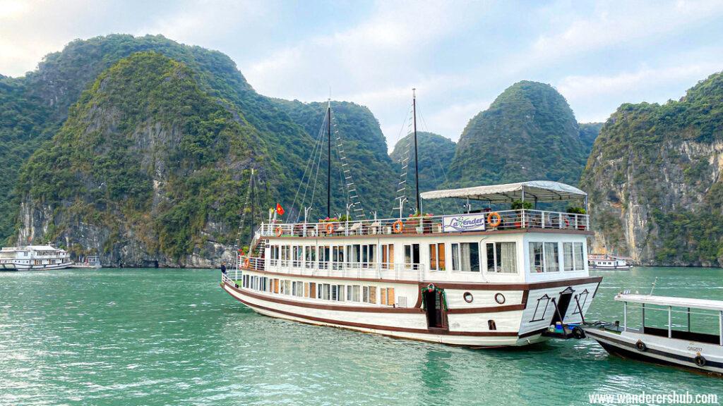 Halong Bay Luxury cruise, Vietnam